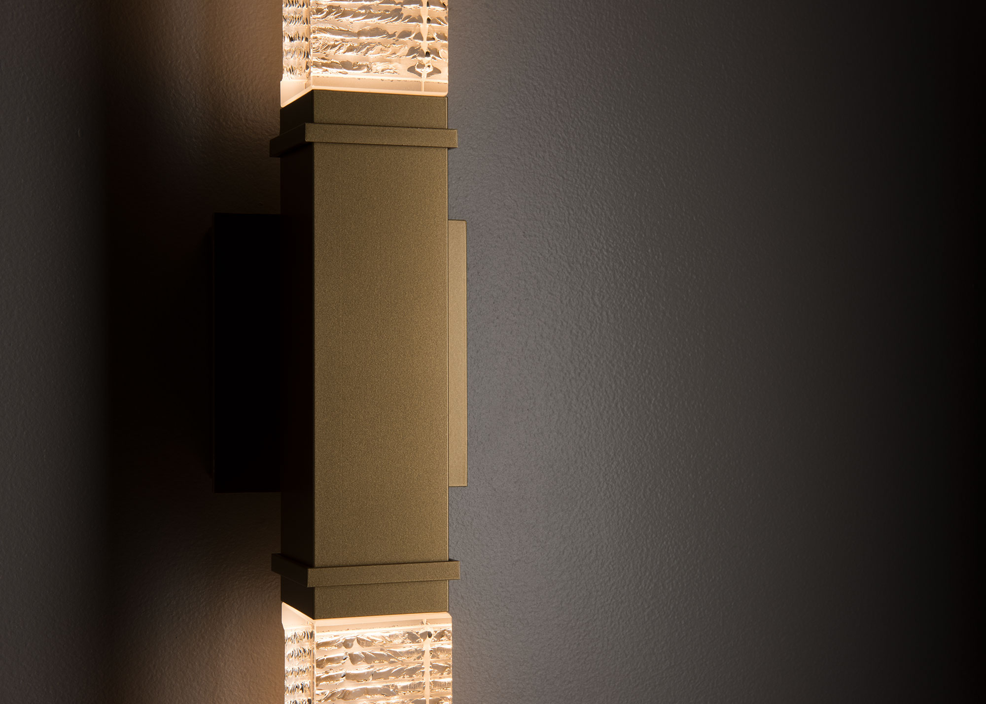 403054 SCEPTER OUTDOOR SCONCE - LARGE
